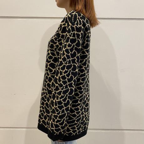 old giraffe patterned acrylic knit sweater