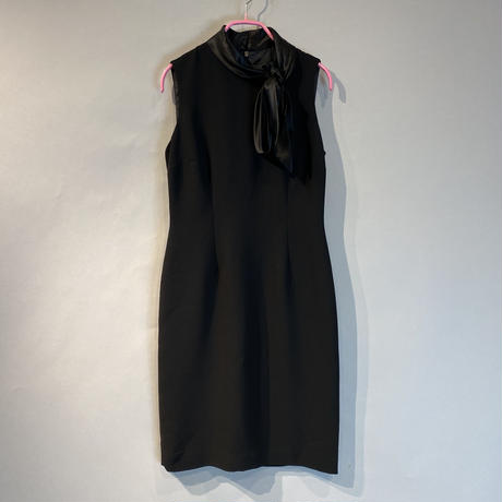 no sleeve tight one-piece