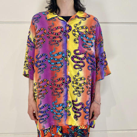 90s S/S  snake patterned rayon shirt