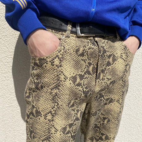 "90s~ ""GUESS"" python patterned slim pants"