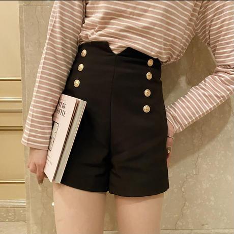 retro black short pants