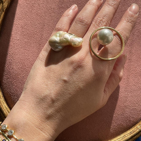 Southsea big pearl Fullmoon ring