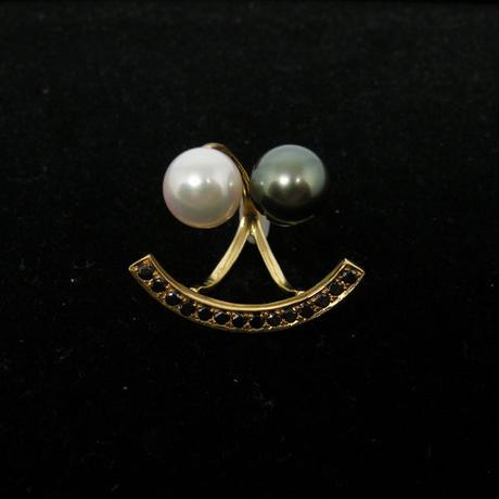 """W""besmile ring w/ black diamond"