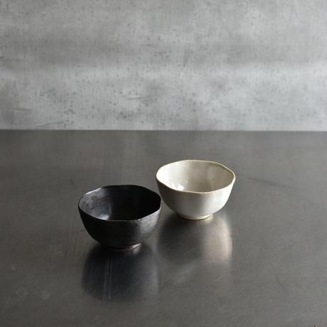 たくまポタリー 小鉢 ひらひら こげ茶・つや白
