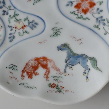 古道具部 馬駆ける色絵変形皿 カケあり