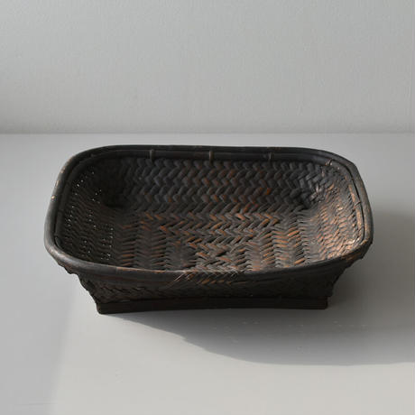 古道具部 四角い竹籠