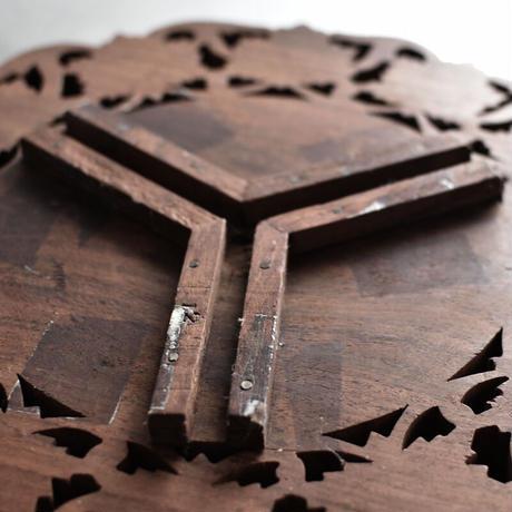 古道具部 木彫りのレリーフ台  Ф370