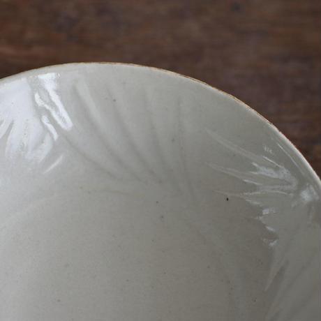 たくまポタリー 6寸鉢 草 つや白