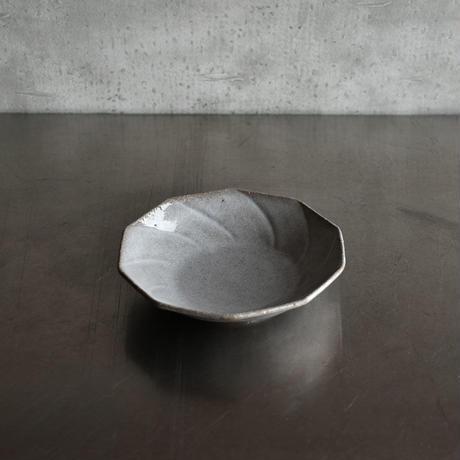 たくまポタリー 6寸皿 ねじり10角  つやグレー