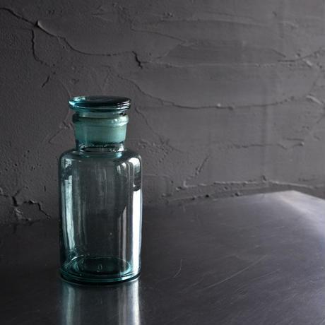 古道具部 古ガラスの蓋付瓶