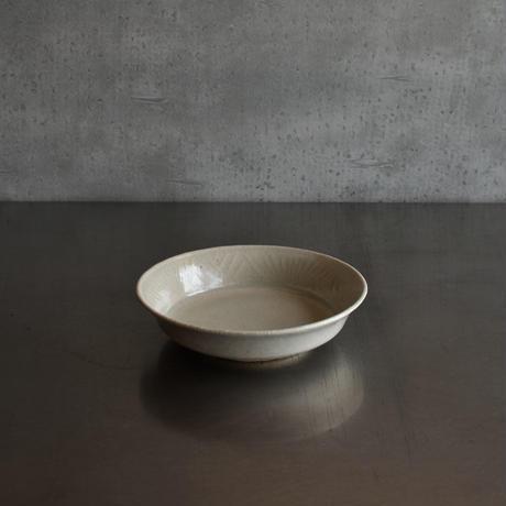 たくまポタリー 綿毛5.5寸浅鉢 やわグレー