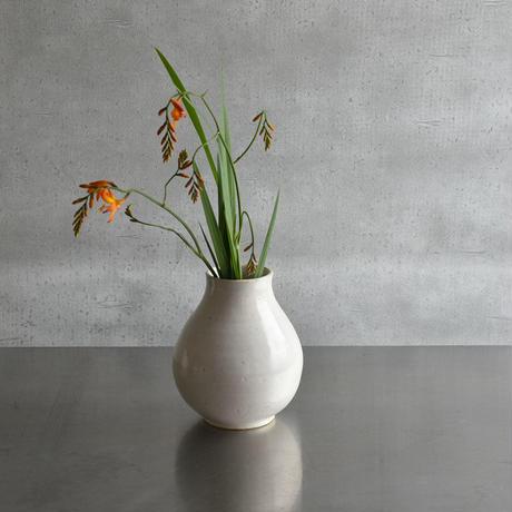 たくまポタリー 花活け  つや白