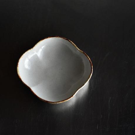 たくまポタリー 小鉢 木瓜 つや白・やわグレー