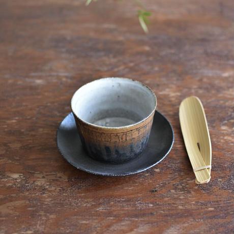たくまポタリー エル猪口 つや白・こげ茶・グレー茶