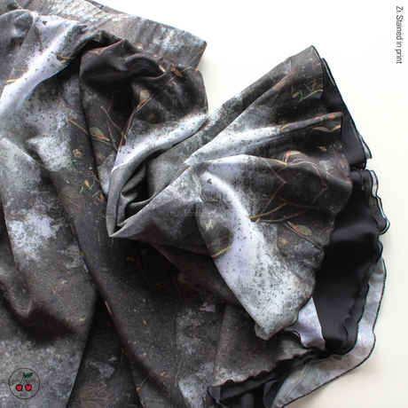 [Zidans] Rehearsal skirt, stained with the print Mud