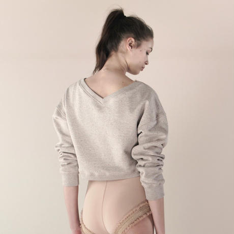 [Just A Corpse]  BALBOA – V back cropped sweater in tea color