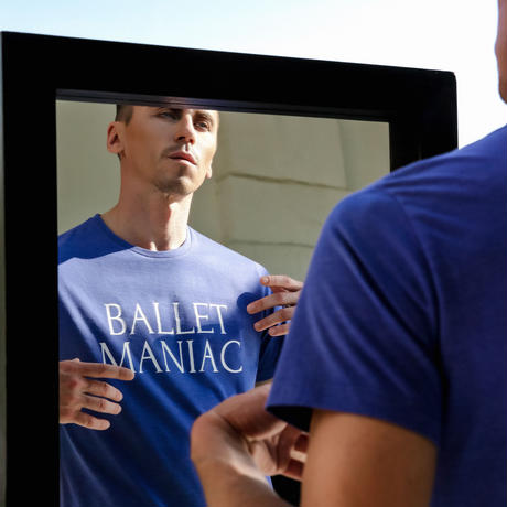 [Ballet Maniacs] T-shirt Ballet Maniac in mirror for boys & girls by Igor Kolb