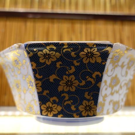 7号八角鉢 (間取青粒白粒鉄仙)