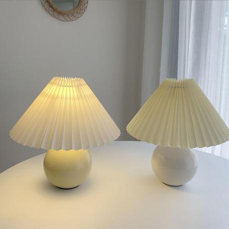 ヴィンテージ・プリーツシェードランプ   *ceramic*