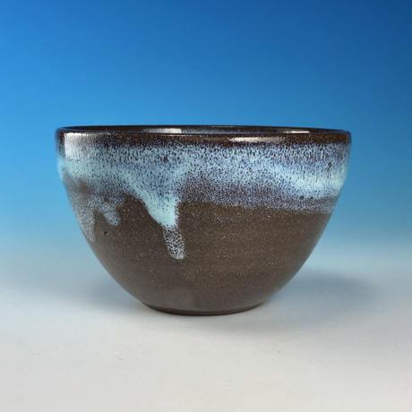 【Y082】ミルキーブルーの湯呑み茶碗(淡水乳濁・赤土・うさぎ印)