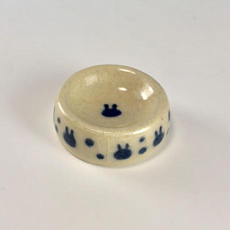 【Z044】うさぎ水玉模様のおもちゃの食器(呉須・透明・うさぎ印)