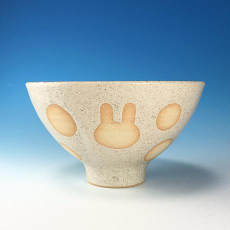 【G137】うさぎ水玉模様のご飯茶碗(サンド・白土・うさぎ印)