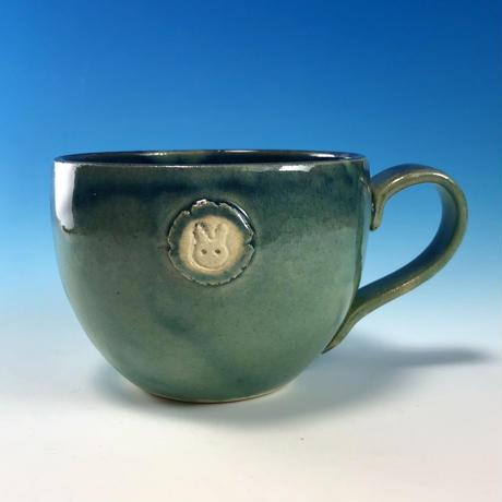 【M219】海の色のマグカップ大(エンブレム付き・うさぎ印)