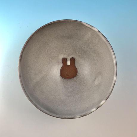 【G121】うさぎ水玉模様のご飯茶碗(マットホワイト・赤土・うさぎ印)