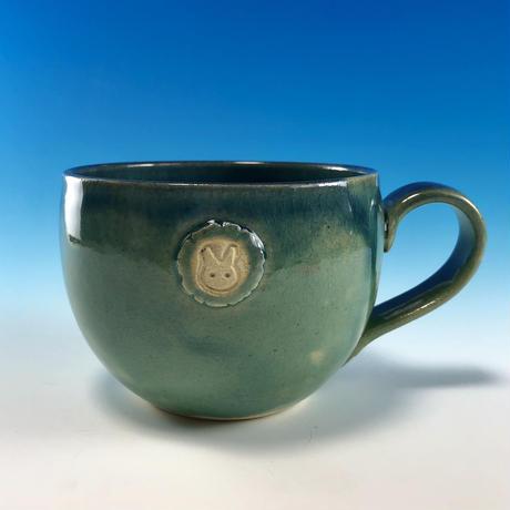 【M221】海の色のマグカップ大(エンブレム付き・うさぎ印)
