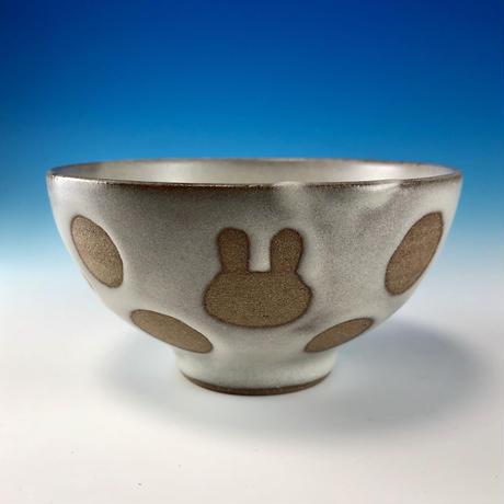 【G096】うさぎ水玉模様のご飯茶碗ミニ(白マット・ロップ・赤土・うさぎ印)