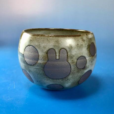 【Y028】うさぎ水玉模様のフリーボウル(白マット・うさぎ印)