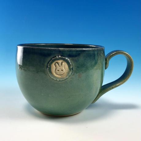 【M218】海の色のマグカップ大(エンブレム付き・うさぎ印)