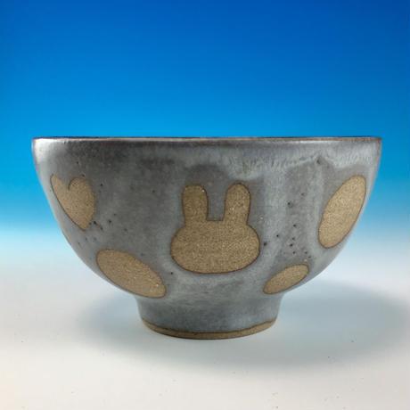 【G080】うさぎ水玉模様のご飯茶碗ミニ(灰透明赤土・ロップ・ハート・うさぎ印)