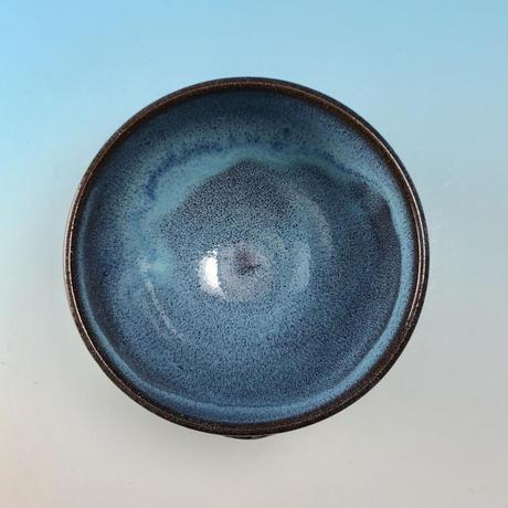 【Y079】ミルキーブルーの湯呑み茶碗(淡水乳濁・赤土・うさぎ印)