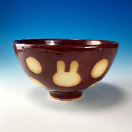 【G088】うさぎ水玉模様のご飯茶碗(ボルドー・うさぎ印)