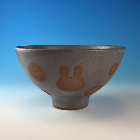 【G120】うさぎ水玉模様のご飯茶碗(灰透明・赤土・うさぎ印)
