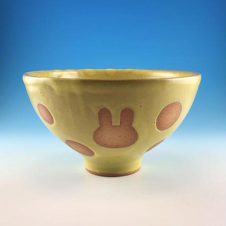【G135】うさぎ水玉模様のご飯茶碗(イエロー・白土・うさぎ印)