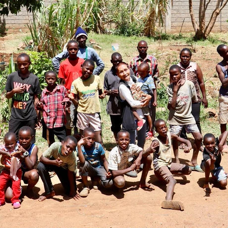 ケニアの子ども達と製作!キリンイラスト塗り絵/ロングスリーブTシャツ・White【Twiga / キリン】