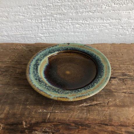 飴 × 緑釉リム皿(小)