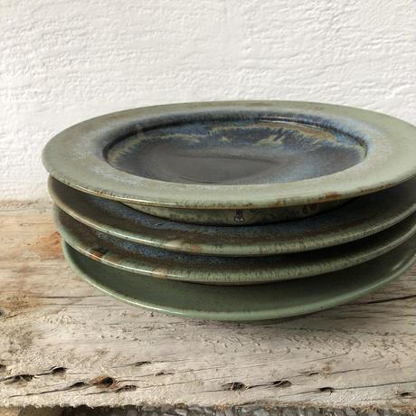 飴 × 緑釉リム皿