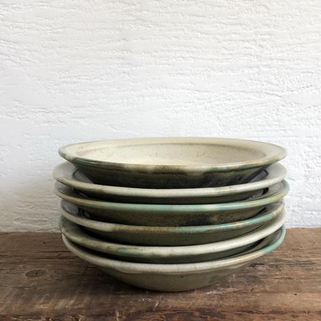 緑釉 × 藁灰釉リム皿