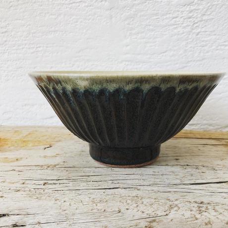 飴 × 藁灰釉 鎬どんぶり鉢