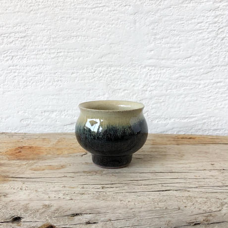 飴 × 藁灰釉 丸湯呑み
