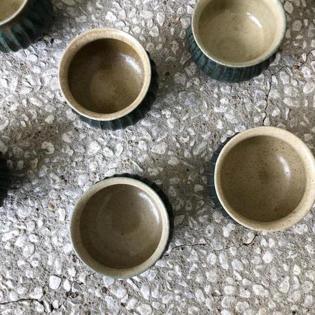 淡路島ブルー  ×  藁灰釉 鎬丸湯呑み