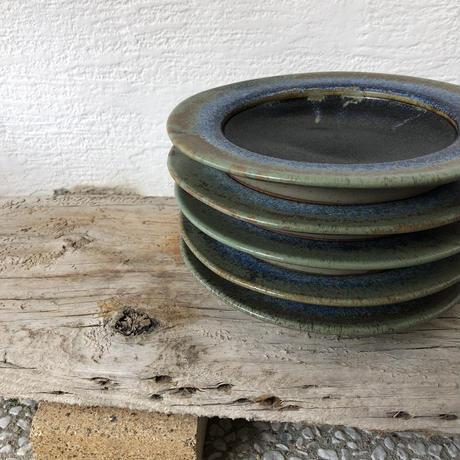 飴 × 緑釉 リム皿