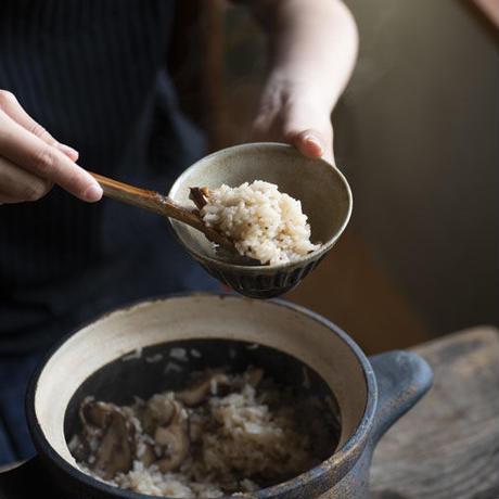 飴×藁灰釉 鎬飯碗(小)