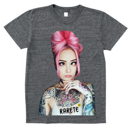 RARETE (ラルテ)   girl Eye Tatoo  グレイブラック  Tシャツ