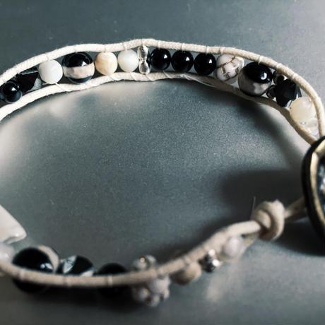 elegant bracelet xBLACK