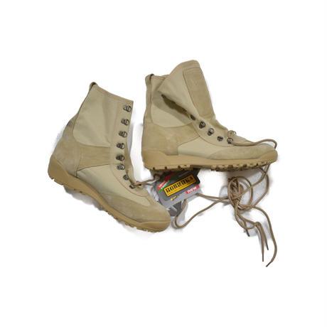ロシア Buteks製 Kobra ブーツ  サンドカラー