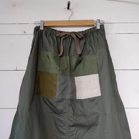 パッチワークポケットのバルーンスカート